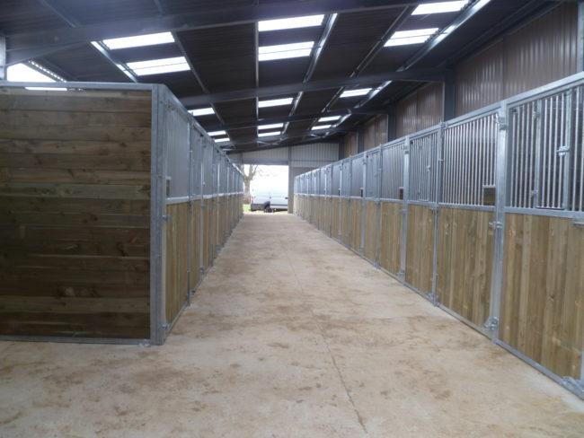 Box intérieur pour chevaux | LMS Bourbonnaise